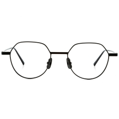 PICTO - The pentagonal rims of PICTO are created with steel wire. Its outstretched endpieces and unique rim shapes give the frame a good sense of balance overall.