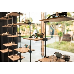Sky Line Solo window displays - <p>Sky Line Solo is the new name for minimalistic! This simple window display consists of 1 telescopic rod and a display element attached to it. Easy adjustable to any space! Available in numerous combinations and designs.</p>