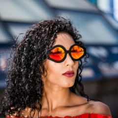 Bandit - Designed to combine the elegance and softness of rounded frames with the sharpness and angularity of prismatic frames. Unisex design with style throughout.