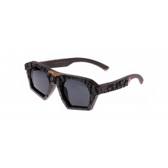 PHOENIX - Authentic appearance of this frame achieved with traditional Japanese technique of wood burning. Thinked-through frame architecture makes it fit well despite aggressive design.