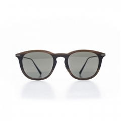"""Oscar - Full of spirit and character, this male sunglass, subtly whimsical, dresses the silhouette of a very """"dandy"""" spirit, a bit provocative."""