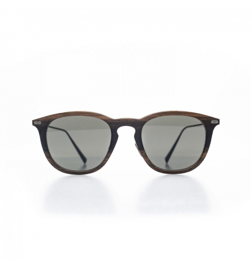 "Oscar - Full of spirit and character, this male sunglass, subtly whimsical, dresses the silhouette of a very ""dandy"" spirit, a bit provocative."