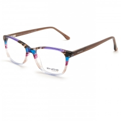 ET137 - The model is part of the new ENOX TEENAGER collection and is made in shiny hypoallergenic acetate, with a squared design. Available in 6 different colors, all crystal and made with striped and colored plates. The model has temples matched with solid colors fronts, except the full black, provided with flex. In addition to the total black, the shades of the sky blue, emerald green, amber yellow, violet, pink, light blue, all skillfully coupled and matched to the brown, give a cheerful and bright nature to this model,  suitable for the age range to which it is designed.