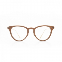 Louise - As a great escape to a poetical and sweet word, this frame gives to the expression a keen and charming appearance.