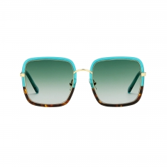 Clio - CLIO / spektre latest release for her. a square frame, aesthetically impeccable and perfect for your everyday look.  crafted in Italy with sophistication using the finest materials: japanese acetate, cr 39 antireflex lenses and comfortable silicon and titanium nosepads, for an unparalleled everyday use.