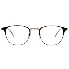 DAYLIGHT - A square-type optical frame from STEALER Air series. Released as a model from our continuing Air series, DAYLIGHT features square-shaped rims, cuts between the rims and bridge, and a well-balanced color combination.