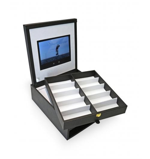PRESENTATION BOX WITH MOVIE SCREEN