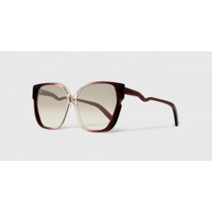 EK-11820 35-64 - Emmanuelle Khanh has selected materials of the highest quality to create your frames. The zig-zag collection, unique and trendy, plays with the shapes and colors. Handmade in France and all in acetate. Delivered with its exclusive, designer-stamped clutch.
