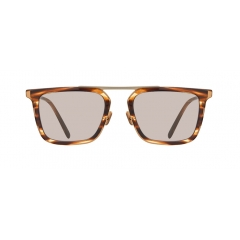 HAPPER - These Soltex structured sunglasses feature a unique squared shape of frame. Those squared rims are connected each other with a long and thin metal brow bar, positioning on the top of the rims. The entire silhouette creates fashionable vibes.