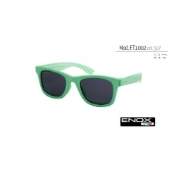 ET1002 - A unisex sunglasses of ENOX TEENAGER collection, made of acetate are cool and casual. Available in 4 different colors, from all bright tones, share the characteristic fantasy spotted internally on the temples. The frame has a fit of extreme comfort which gives the younger a casual and relaxed look. The lenses are polarized, able to effectively filter the reflections of light on wet or shiny surfaces, which adversely affect the visual ability. The vision is sharper, relaxed and less tiring, even in the presence of full sunlight. Even the most sensitive eyes are adequately protected, without neglecting the aesthetics and comfort that this model gives.