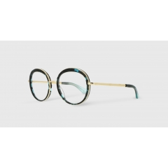 EK-3010J 27-82 - Combining acetate and titanium, the Studio line is handmade in Japan by the best eyewear craftsmen. The lightness of the frames, combined with sparkling and modern colors, rewrite the historic codes of the brand and offers a sophisticated touch.