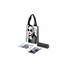 Personalized accessories for the optician - An accessories kit consisting of shoppers, soft pouch and microfiber personalized with the image requested by the customer or specifically designed exclusively for him.